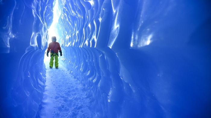 ice-tunnels-antarctica.jpg